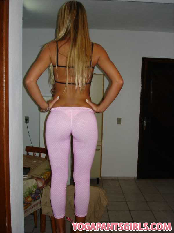 twitter girls in yoga pants. Labels: Girl in Yoga Pants,