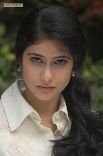 Love-Life-heroine-Kashmira-Stills