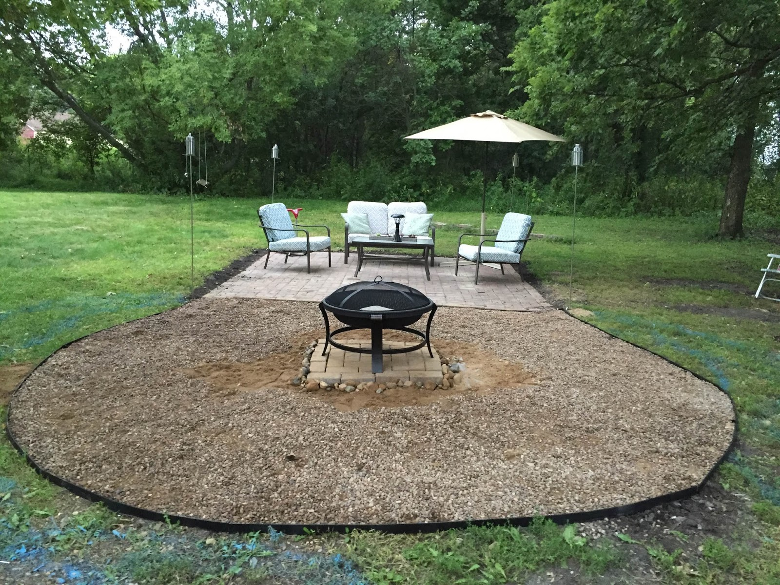 The dabbling crafter diy sunday fire pit gravel patio Backyard designs with gravel