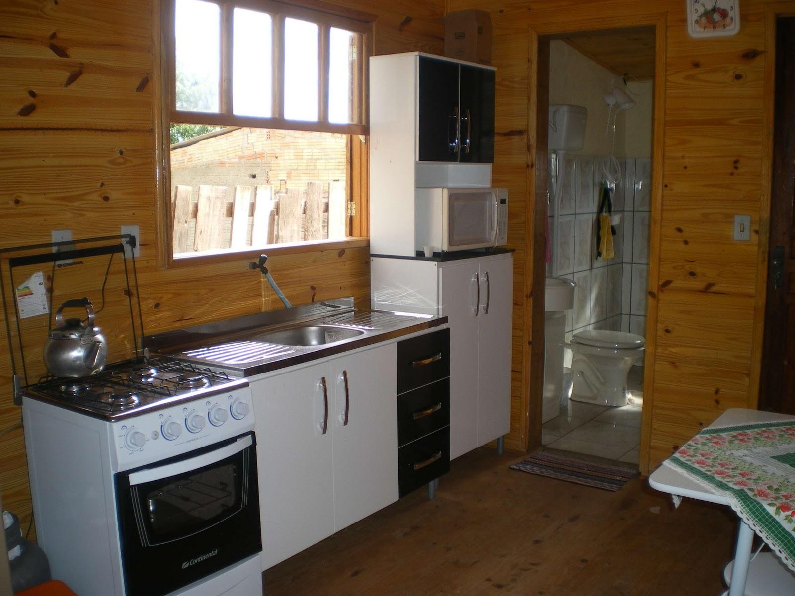 Essa foto foi tirada antes de colocarmos a geladeira doada pela  #633D13 1600 1200