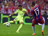 Neymar scores his second of the game agaisnt Bayern Munich