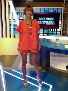 Amalia Granata, co-conductora de Chiche Gelblung en Argentina Despierta.