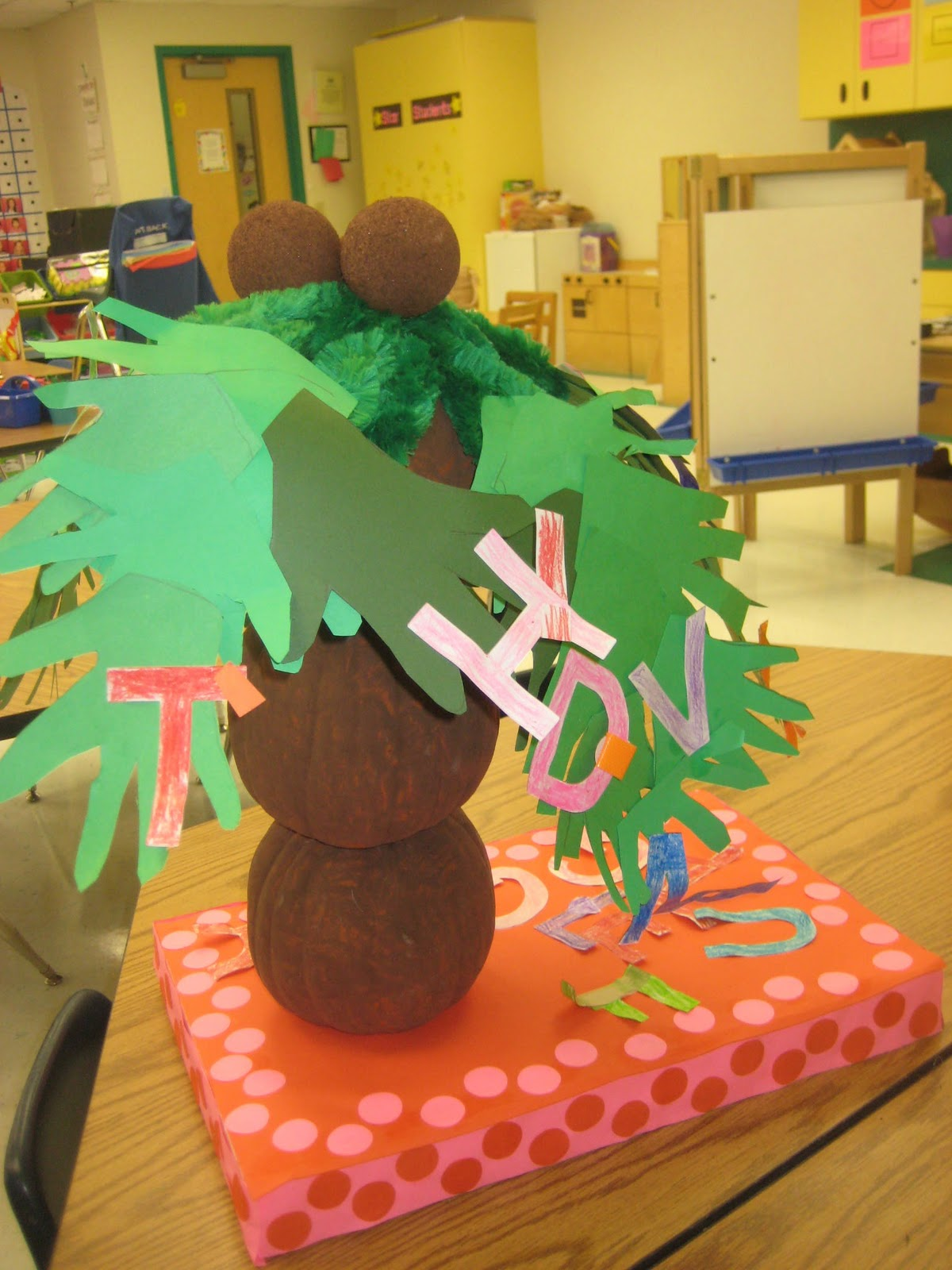 Kindergarten Smiles Red Ribbon Week and Pumpkin Decorating Contest