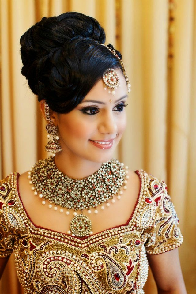 Excellent Your Wedding Makeup Looks Wedding Makeup Blue Wedding Hair And Makeup