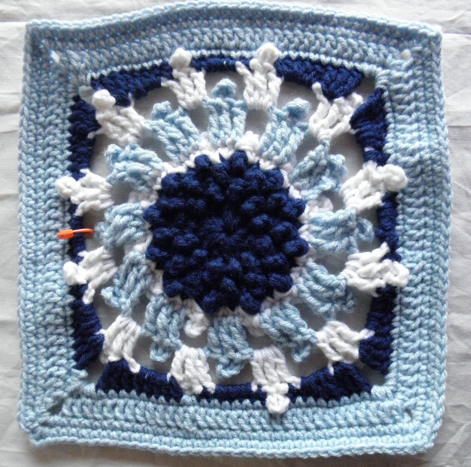 f1bercat\'s SlowKnitter: FO Friday with Crocodile Flowers