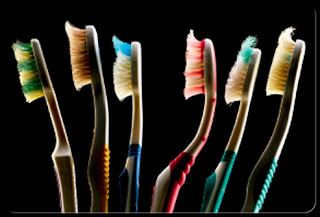 متى يجب أن تغير فرشة أسنانك