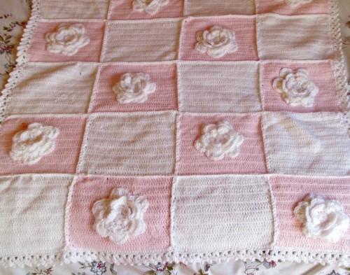 Blooming Roses Crochet Baby Blanket - Free Pattern