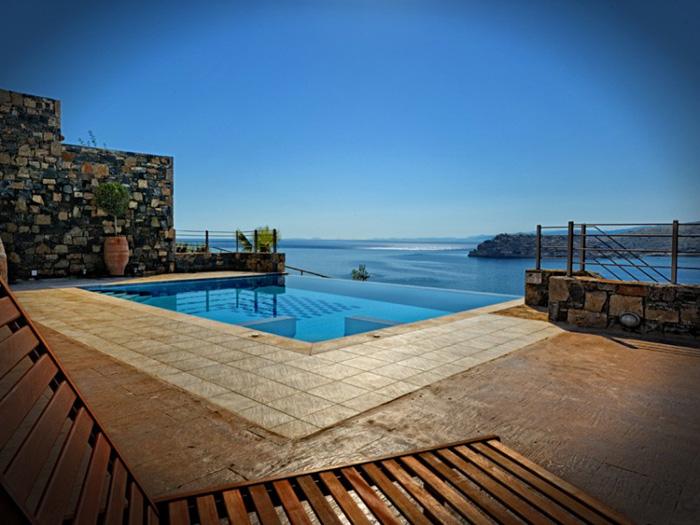 Estilo rustico piscinas de inspiracion rustica - Piscinas rusticas ...