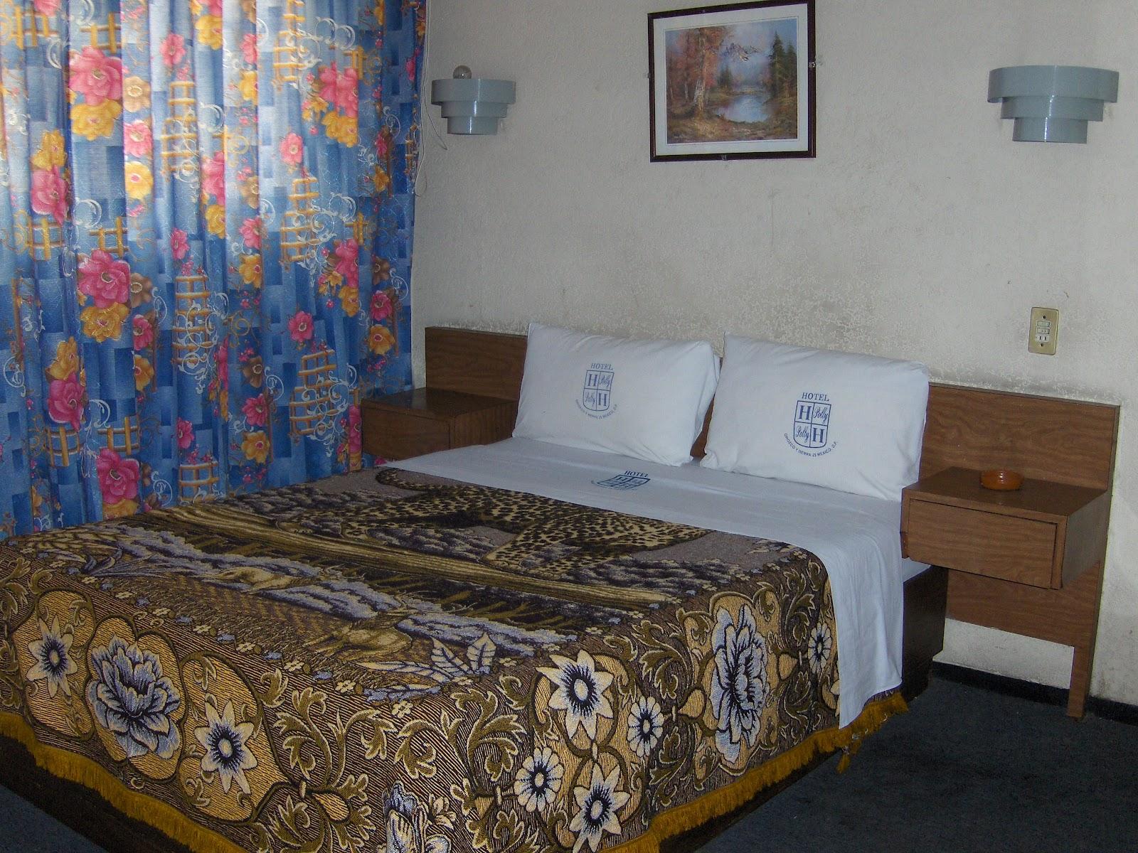 Habitaciones con dos camas hotel polly for Habitaciones con dos camas