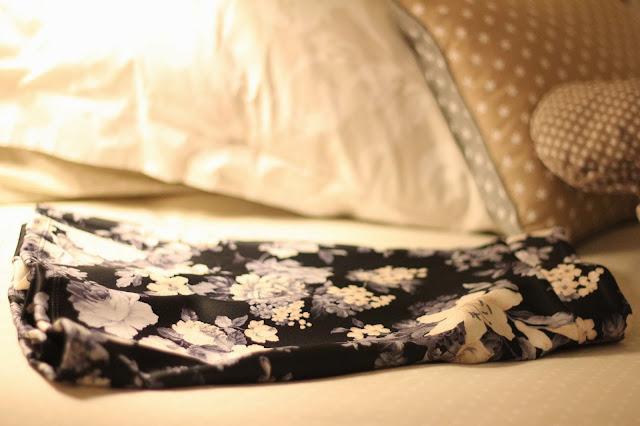 photo-flowers-clothes-stradivarius-falda