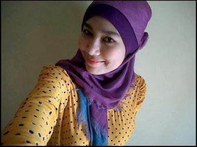 Foto Nakal Menantang Cewek Jilbab Hot