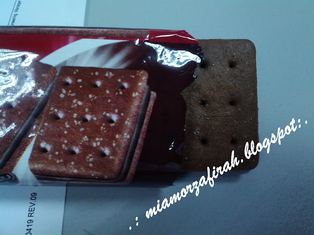 Munchy's Choc Sandwich, chocolate sandwich, chocolate, munchy's,