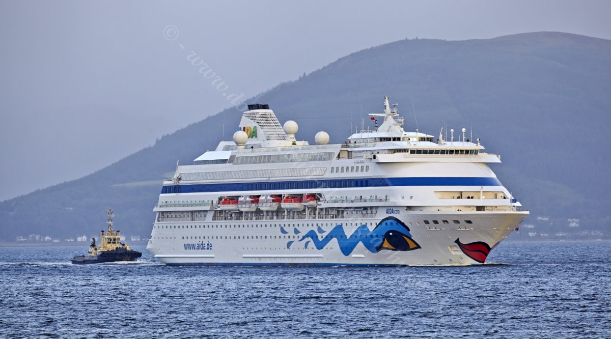 Dougie Coull Photography Two Cruise Ships Greenock - Cruise ships at greenock