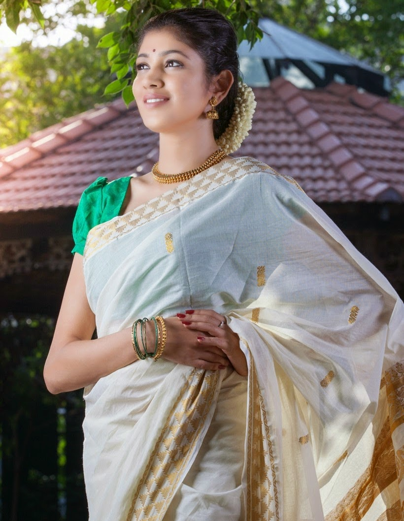 AKHILA KISHORE WHITE COTTON SAREE PICS