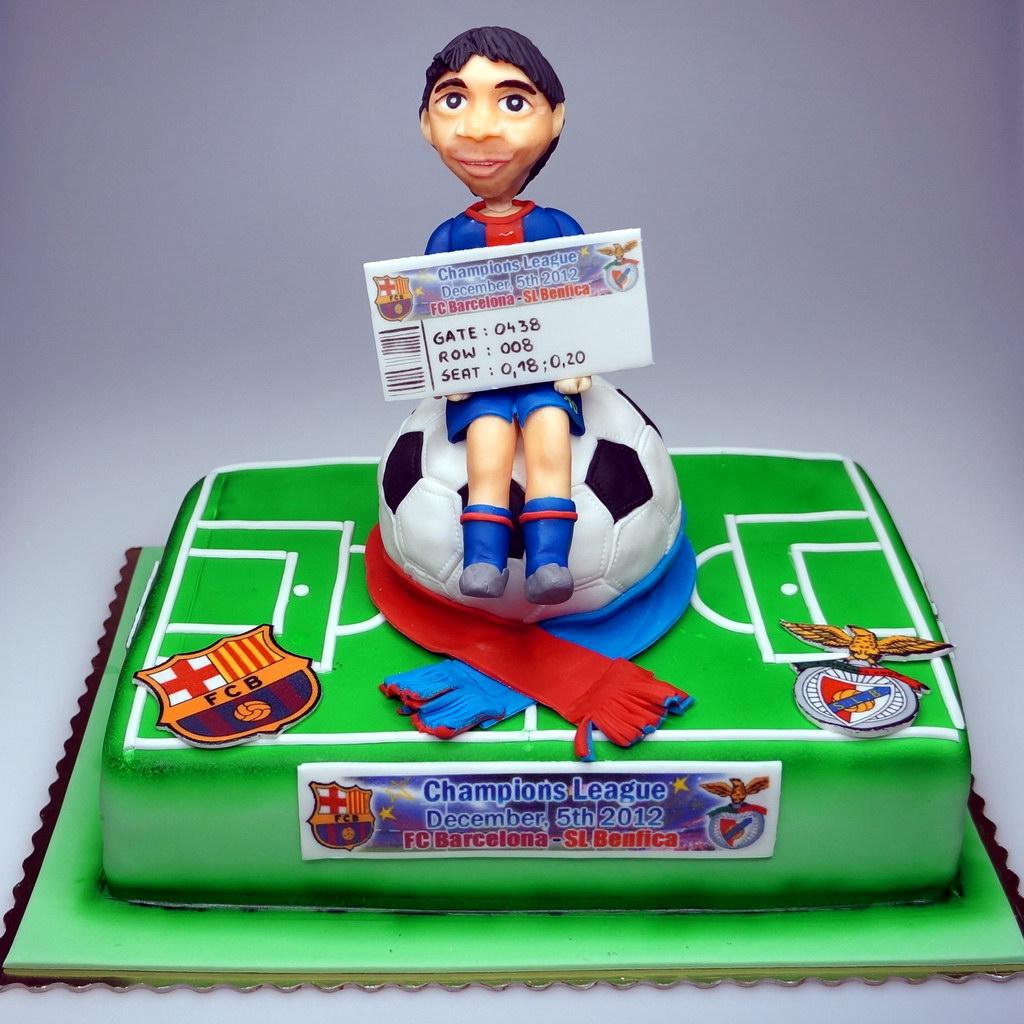 Google themes messi - Birthday Cake With Leo Messi London Cakes