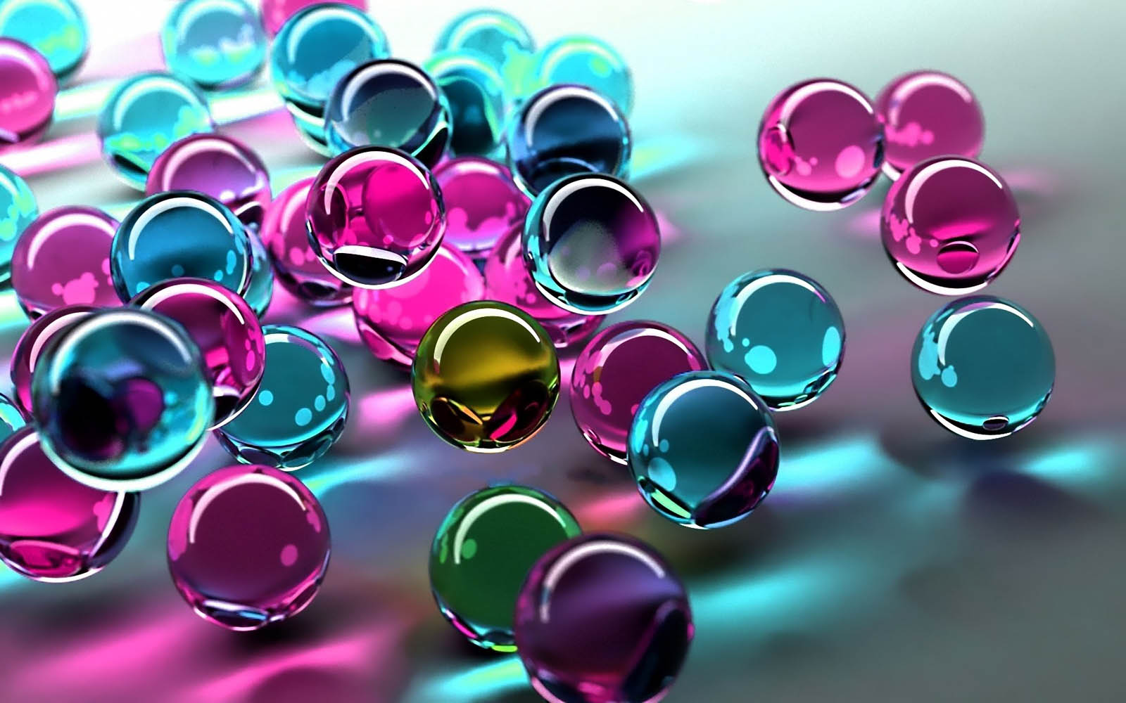 wallpapers: Glass Balls Wallpapers