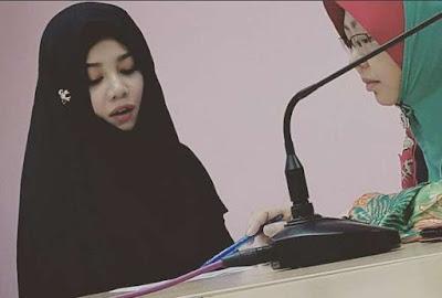 Penyanyi Terkenal Malaysia Menjadi Mualaf