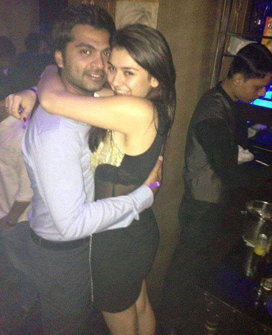 Hansika hot with Simbu