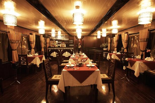Romantic Space for Dinner - Glory Cruise