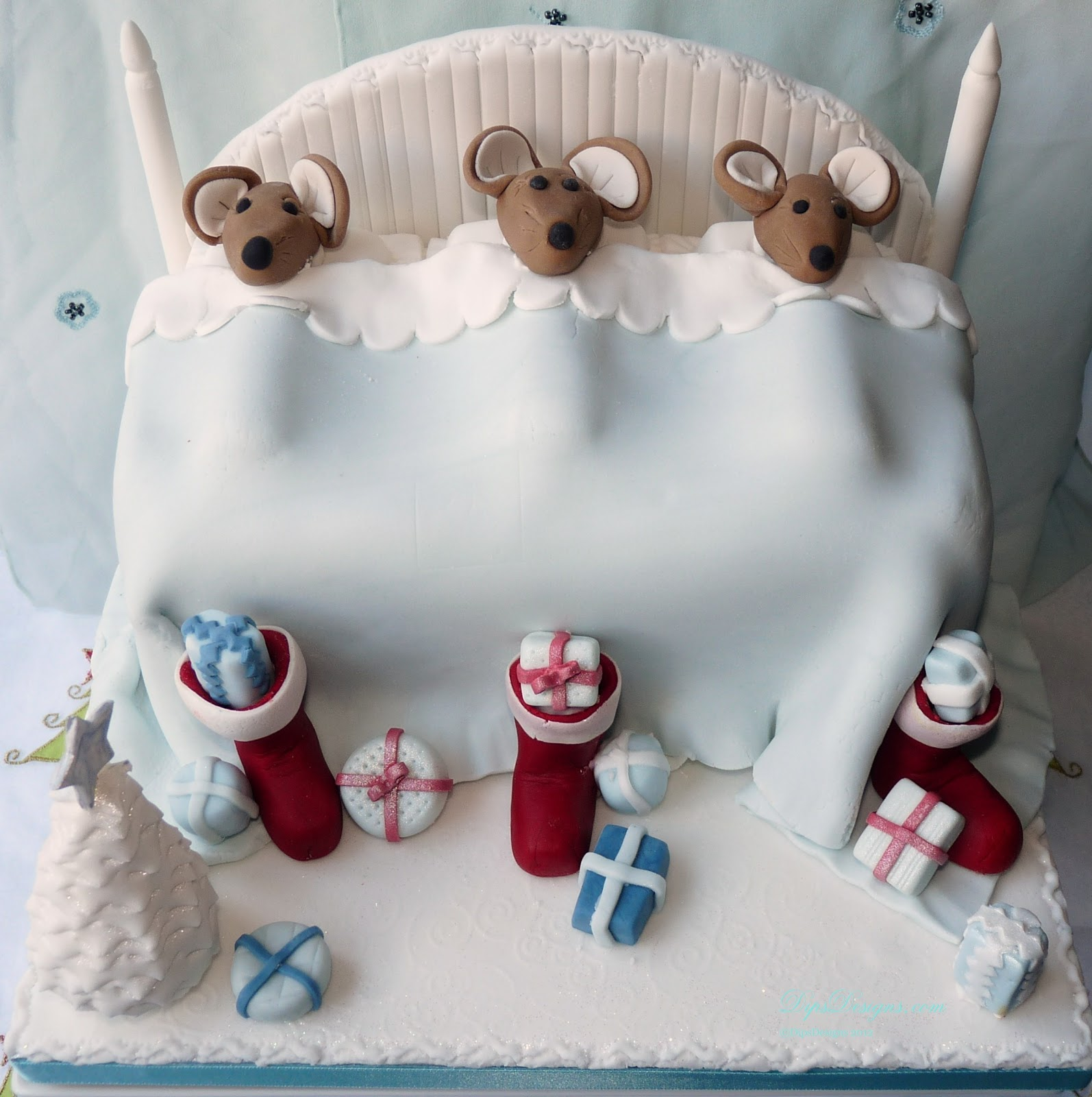 twas the night before christmas mouse cake in pastel colours - Christmas Mice Decorations