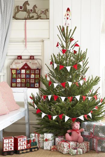 ideias decorar arvore de natal:Felt Christmas Tree Bunting