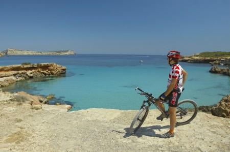 Ibiza y Formentera lideran la recuperación del turismo en las Islas Baleares