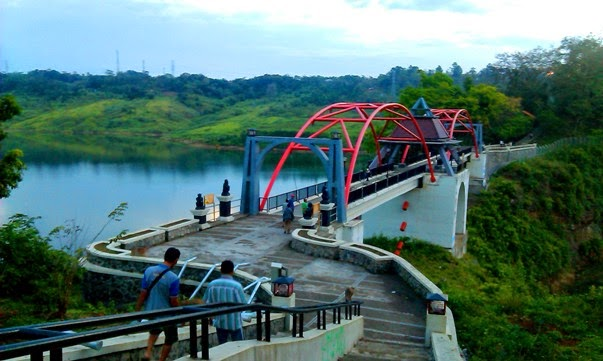 is a  tourist attraction located in the urban centre of Semarang just in the  hamlet of Tal Beaches in Bali; Goa Kreo together with New Reservoir