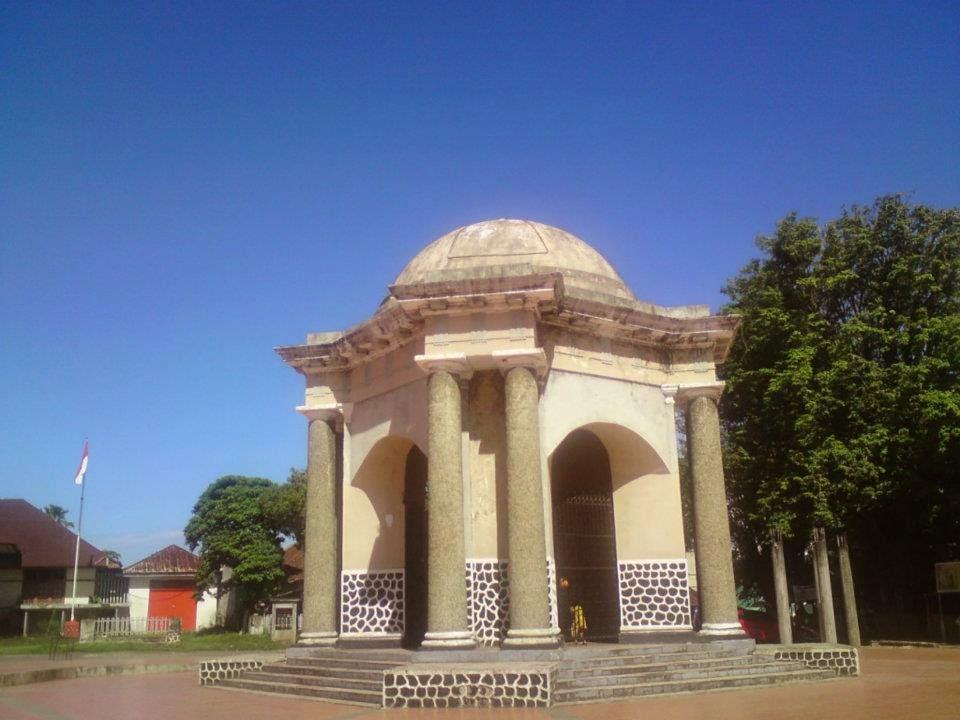 Monumen Thomas Parr.