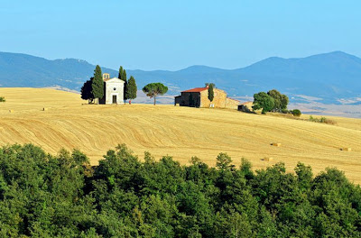 Iconic scene in the Val d'Orcia of Tuscany, Italy