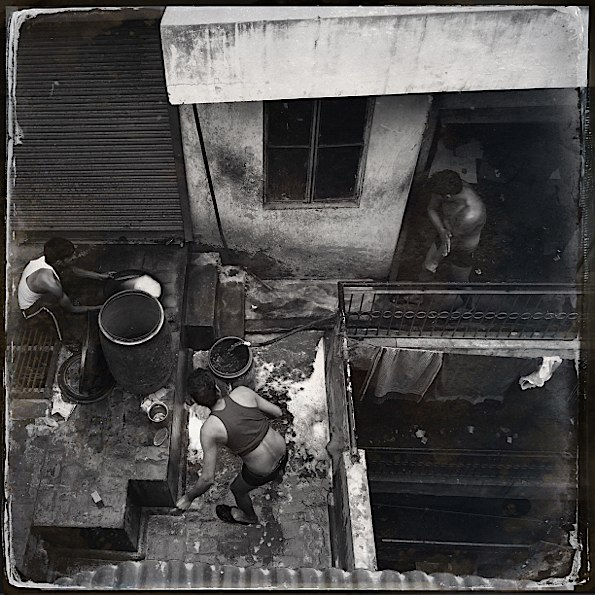 Rooftop life in Delhi © Connie Gardner Rosenthal