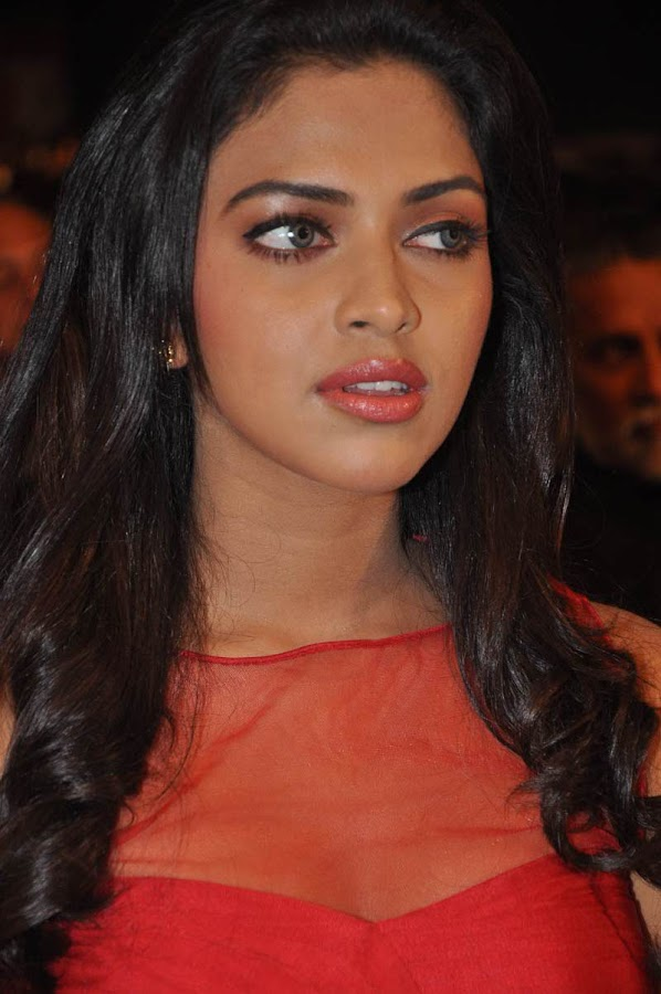 amala paul at naayak audio launch actress pics