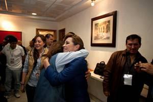 Josefina Vázquez Mota llega a su casa de campaña. Se siente ganadora de la contienda.