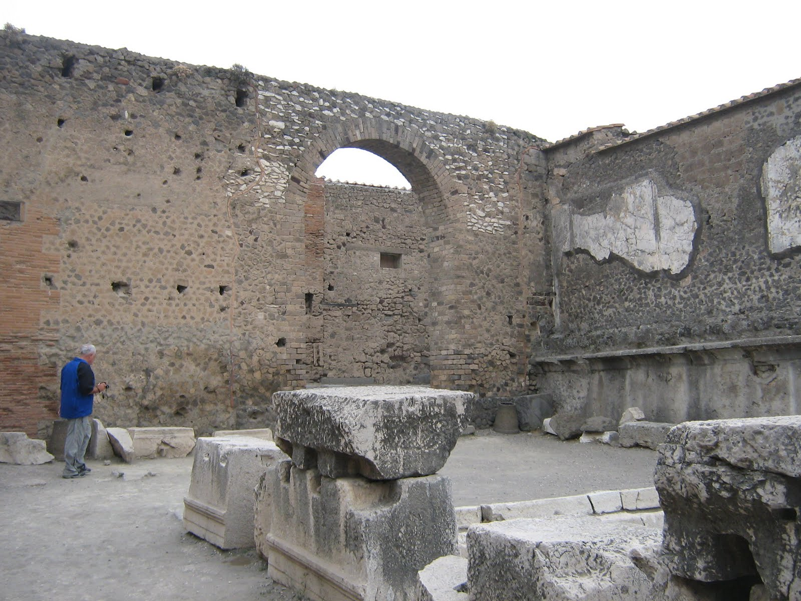 the fall of pompeii essay Now pompeii is definitely a place i am pretty sure every guide book to italy tells  you to visit and i one hundred percent agree if you end up.