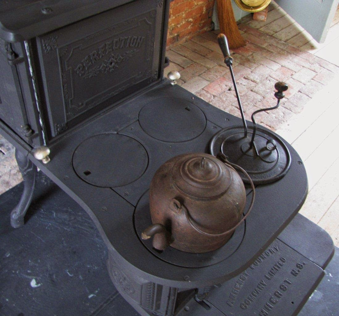 The step stove in the Rose Hill kitchen
