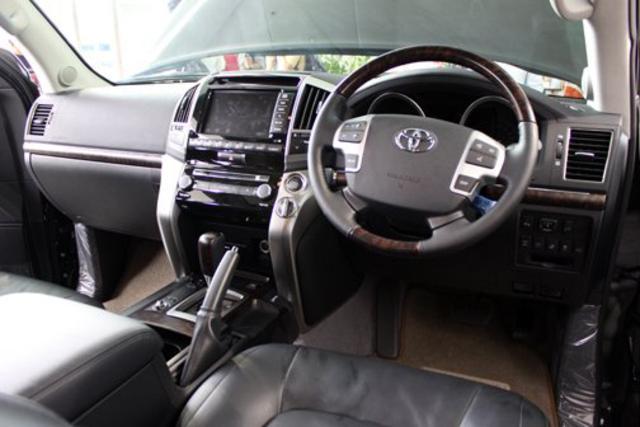 toyota land cruiser 200 4 Harga Mobil Baru Toyota Land Cruiser Indonesia