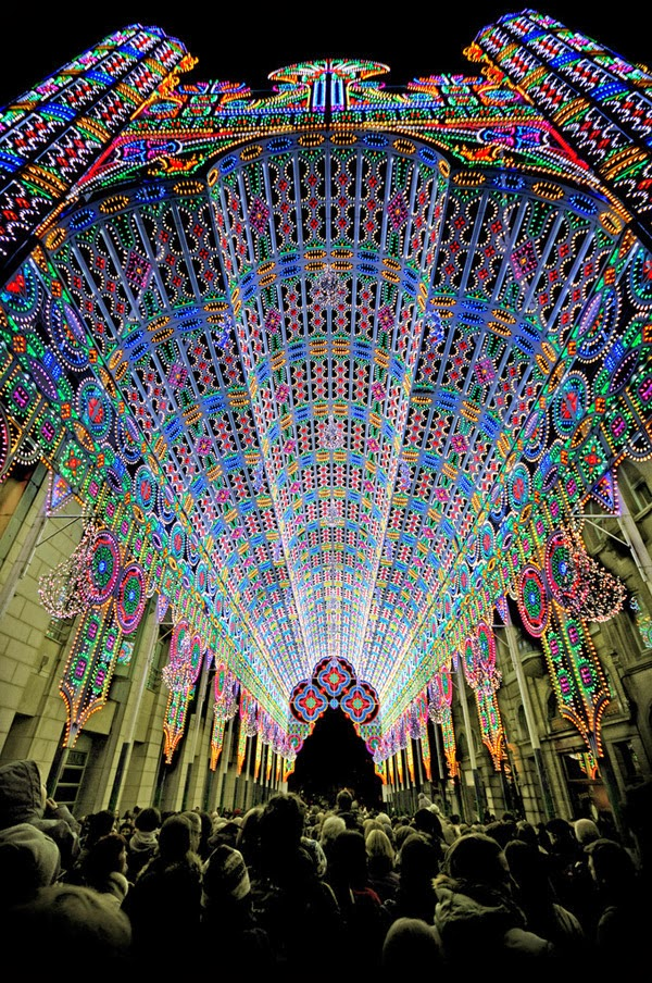 http://www.thisiscolossal.com/2012/01/a-cathedral-made-from-55000-led-lights/