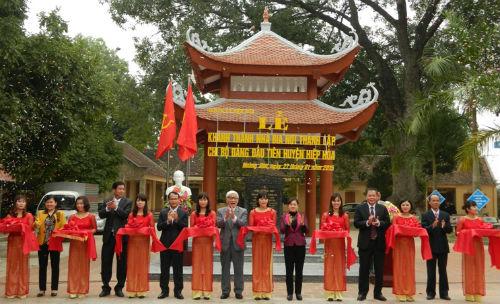 Khánh thành Nhà bia nơi thành lập Chi bộ Đảng đầu tiên của huyện Hiệp Hòa