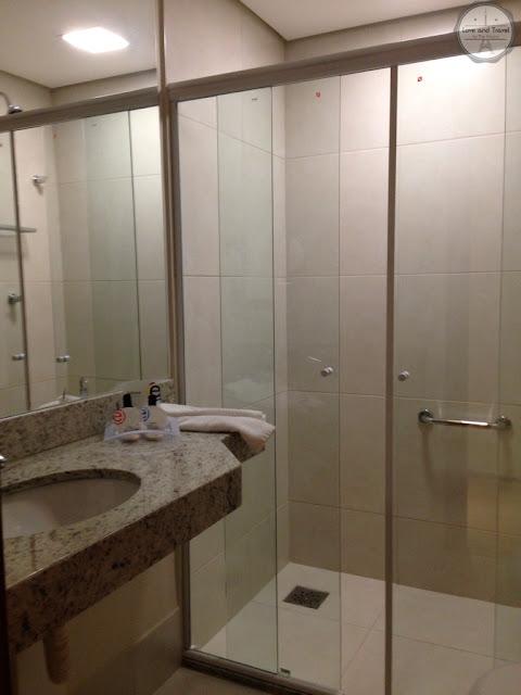 banheiro Hotel Ramada Encore Luxemburgo Belo Horizonte