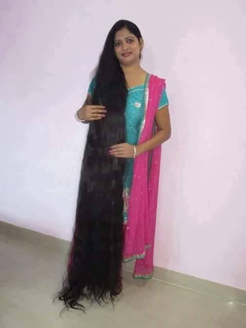 Long Hair Aunty | Manju Aunty showing hair very long