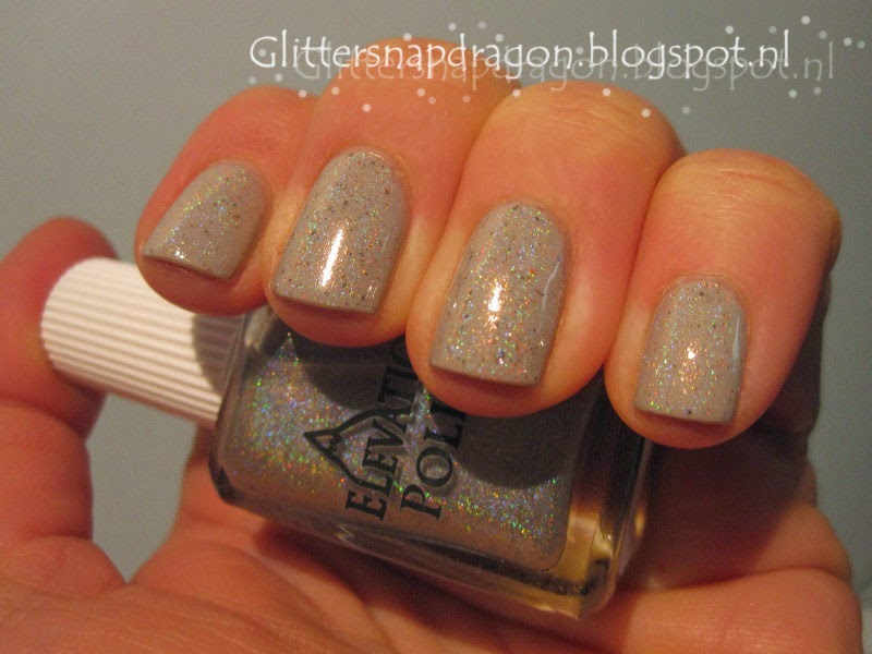 Elevation Polish Aguja St. Exupery Essie Take it Outside