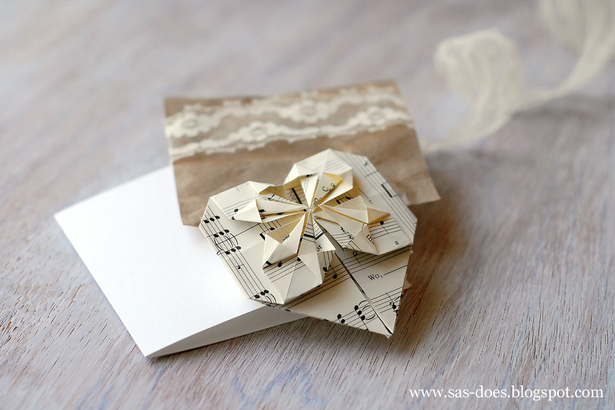 after making the first card ive decided to experiment and made a similar one using burlap and corrugated cardboard i really like the mix of rustic and