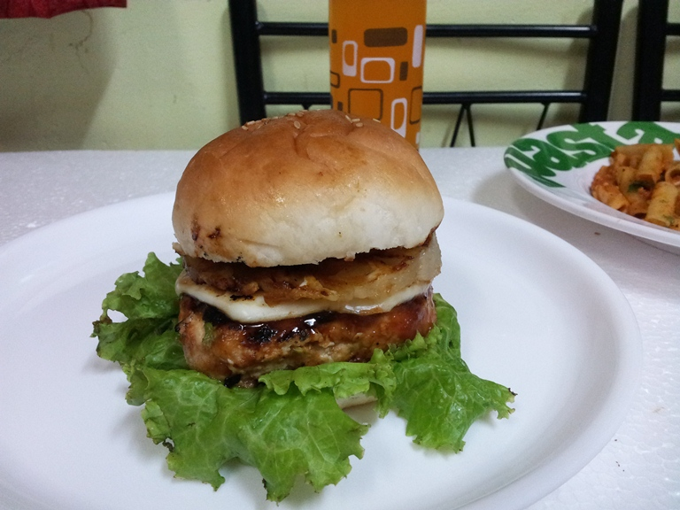 Hawaiian Chicken Burger with Grilled Pineapple Slices & Onions using ...