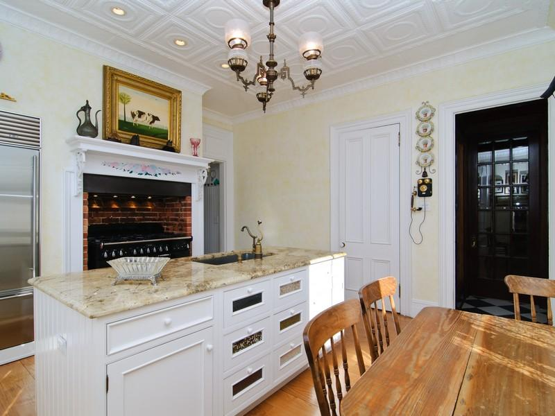 1000 images about victorian style kitchens on pinterest for Victorian style kitchen