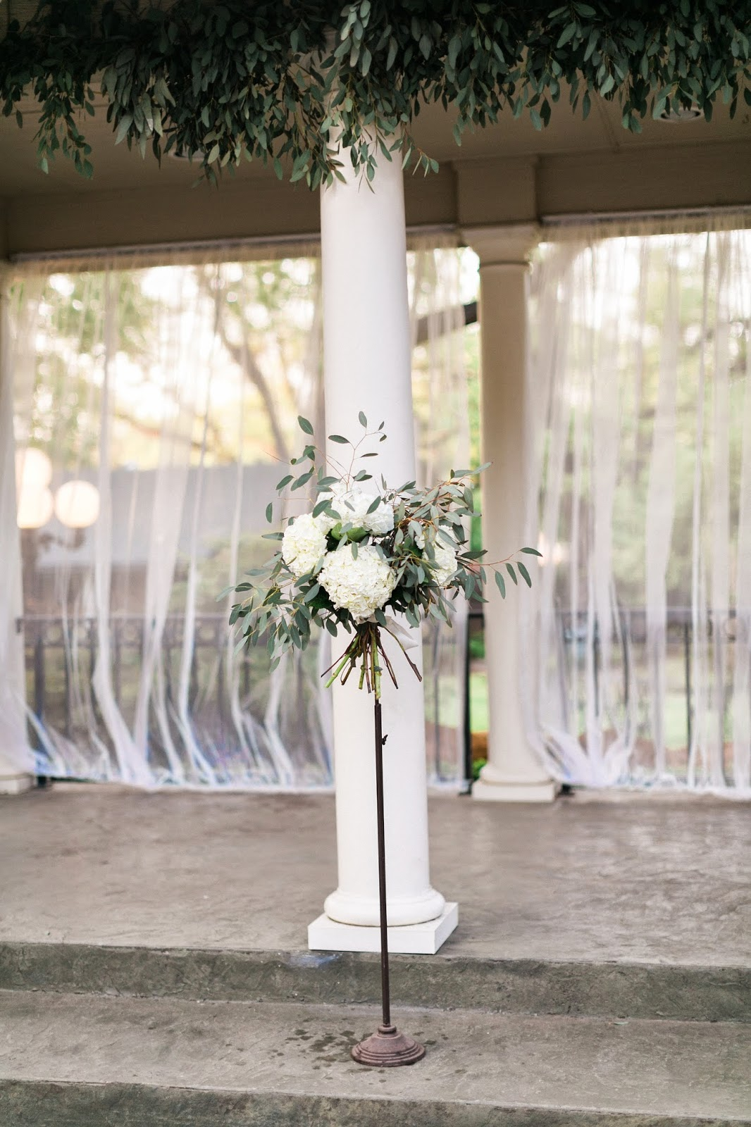 The Blooming Bride, DFW, Fort Worth, Texas, Wedding Flowers, alter, sanford house