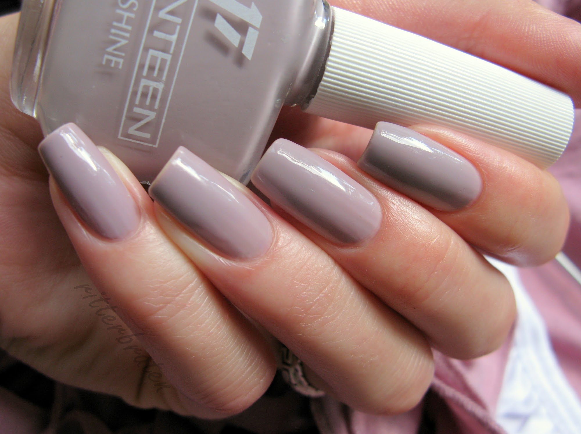 Seventeen 271 swatch nail polish