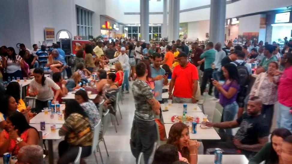 Pátio Alcântara promove o evento 'Desafio de Karaokê'