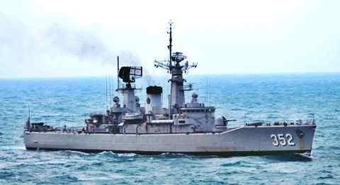 Gambar kapal perang TNI AL Van Speijk Class  Paling tangguh di Benua Asia milik Indonesia