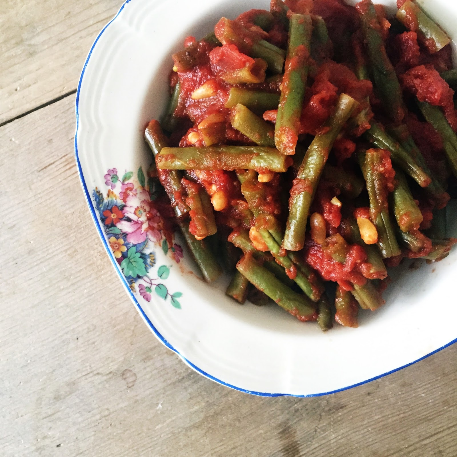 Pot of Tea and a Biscuit: Spanish Green Beans and Tomatoes