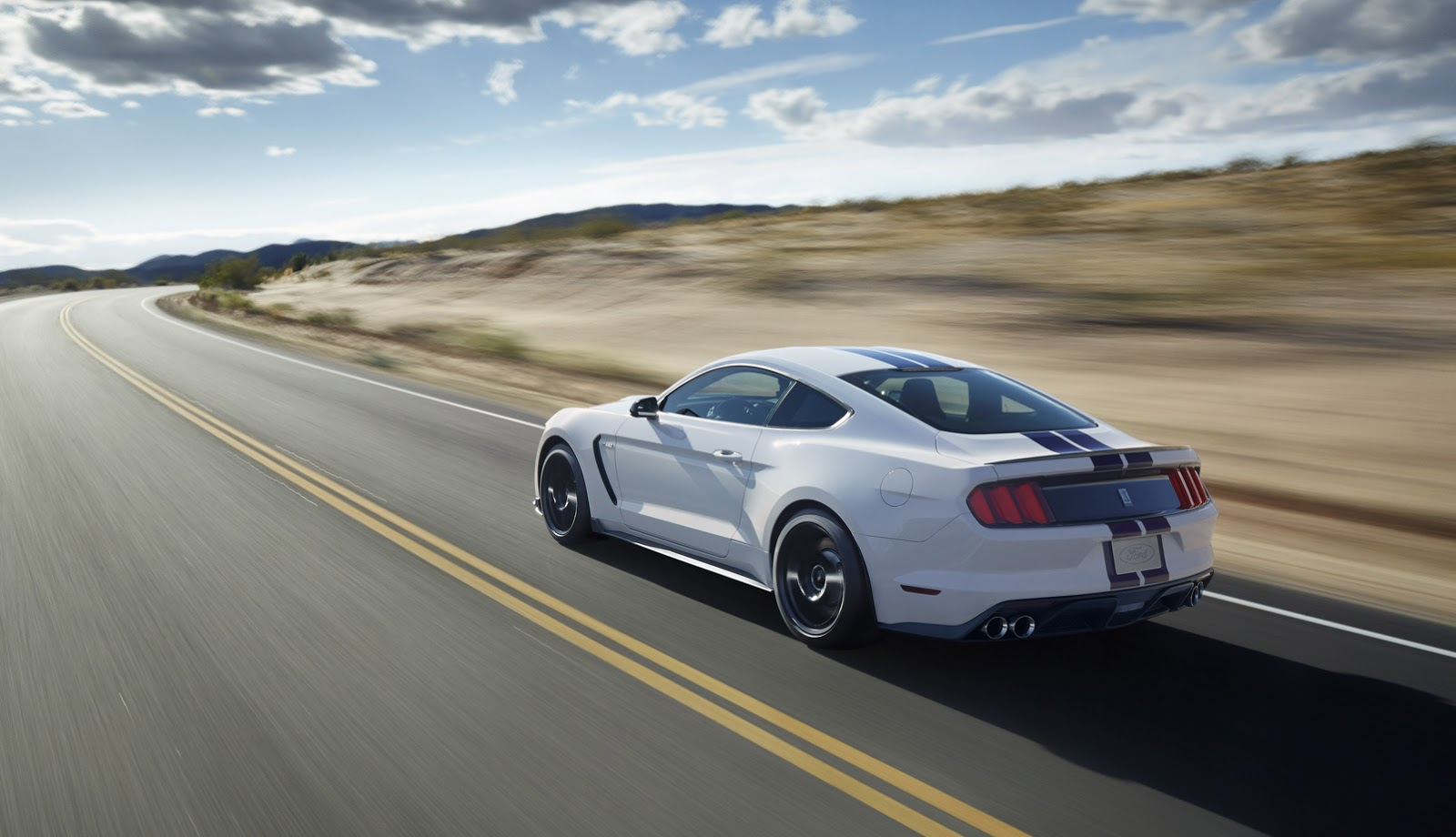New-Ford-Mustang-Shelby-GT350-45.jpg