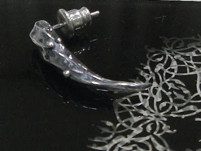 Oz Abstract - Ear Claw Pierce
